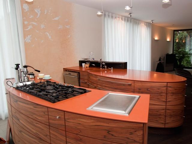 Frei stehende Küche – Tineo-Furnier