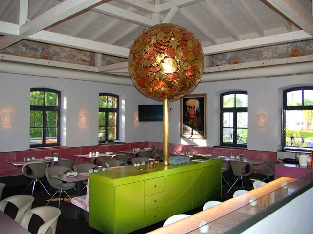 Restaurantumbau – Blattkugel